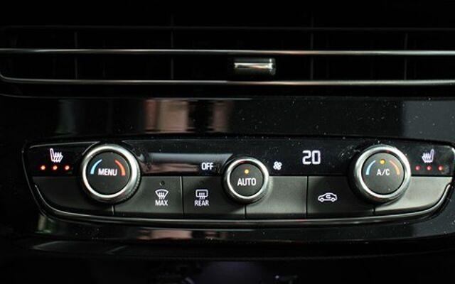 Opel Mokka E-Elegance 136pk *Pure panel + Zetelverwarming*