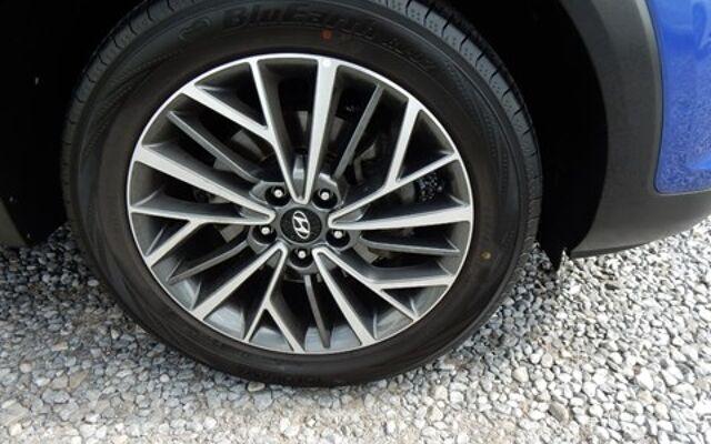 Hyundai Tucson Hyundai Tucson 1.6 i /camera /gps ! 31000km !