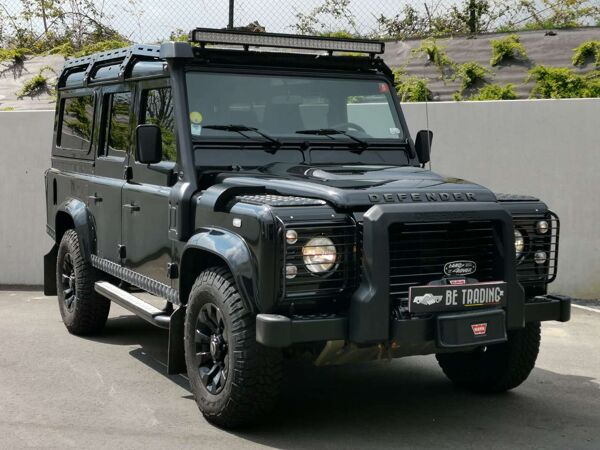 Land Rover Defender 2.2 TD SE*7 places*FULL*LAST ONE TEN !!!!