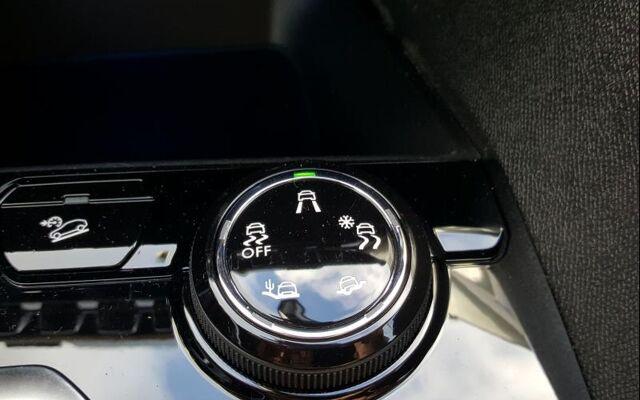 Peugeot 5008 GT Line / EAT8 / 7 places 1.5 BlueHDi