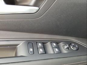 Peugeot 3008 GT Line / Full LED 1.5 BlueHDI