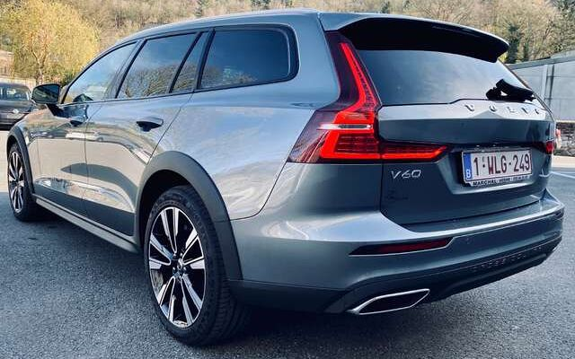 Volvo V60 Cross Country Pro D3 2.0L 110kW 150CH AWD Geartronic - FULL OPTS