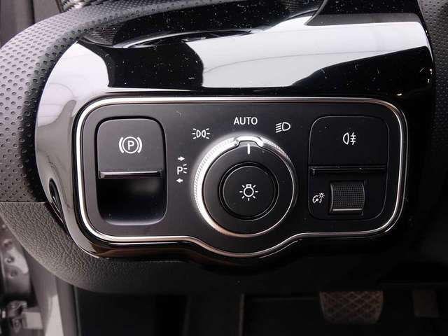 Mercedes A 180 d 7G-DCT Progressive + Wide Screen + GPS + Leder/C