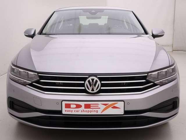 Volkswagen Passat 1.5 TSi DSG Autom. + LED + ACC + App Connect