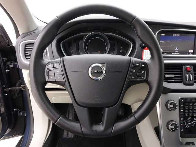 Volvo V40 CC 2.0 D2 120 Cross Country Nordic Style + GPS + L