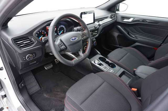 Ford Focus 1.0 EcoBoost 125 Automaat Clipper ST-Line + GPS
