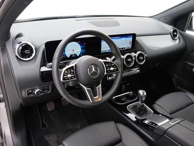 Mercedes B 180 Progressive + GPS Wide Screen + LED Lights
