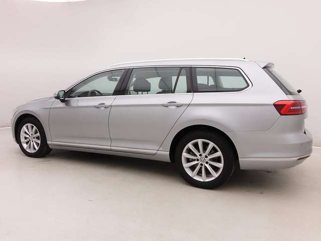 Volkswagen Passat Variant 1.6 TDi DSG Highline + GPS + LED Headlights