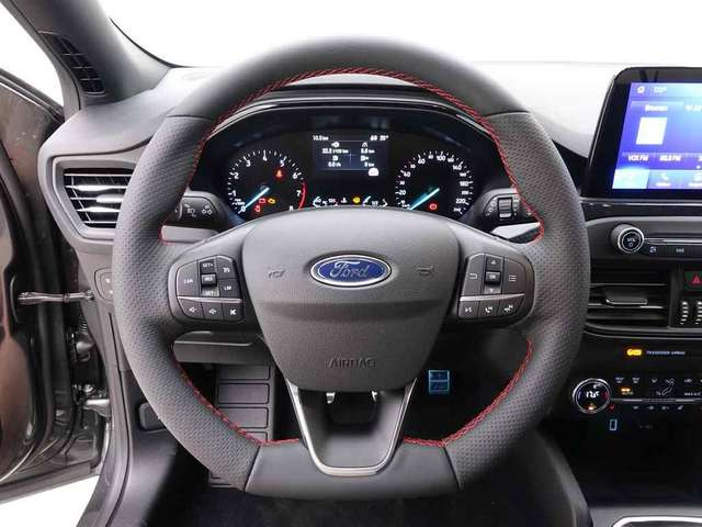 Ford Focus 1.5i Ecoboost 182 Clipper ST-Line Business + Desig