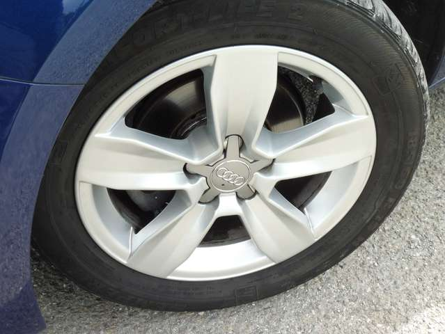 Audi A1 Spbk 1.4TDi 90cv Attraction GPS/TEL BT/PH AUTO...