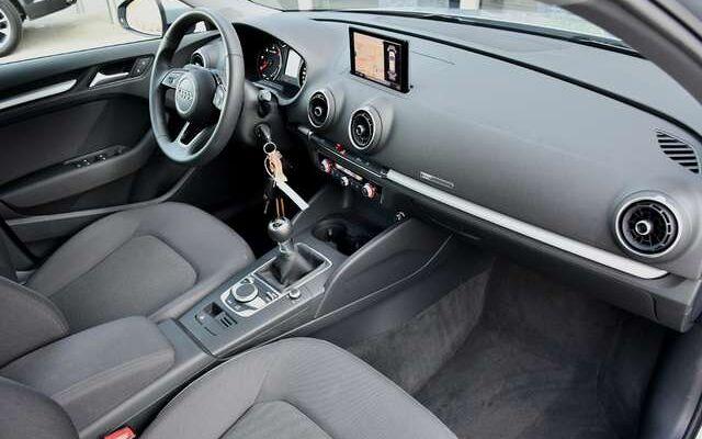 Audi A3 30 TDi NAVI - BLUETOOTH - PDC - 12.000 KM