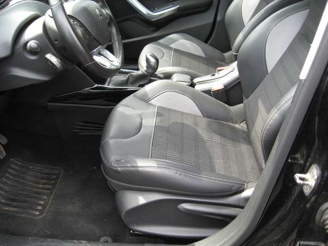Peugeot 2008 1.6 BlueHDi Allure