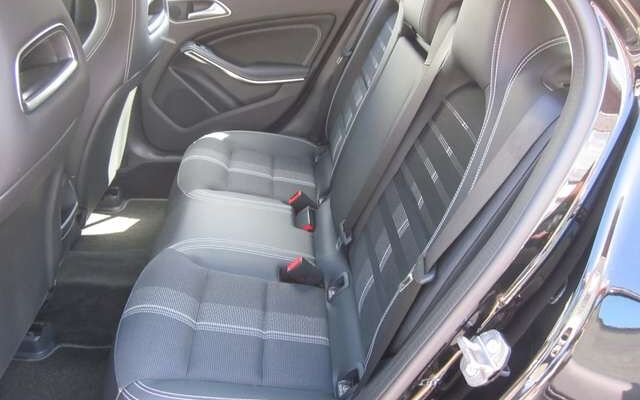 Mercedes GLA 180 urban - automaat - gps