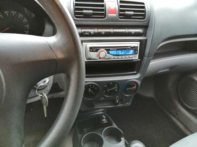 Kia Picanto 1.0i 12v Entry