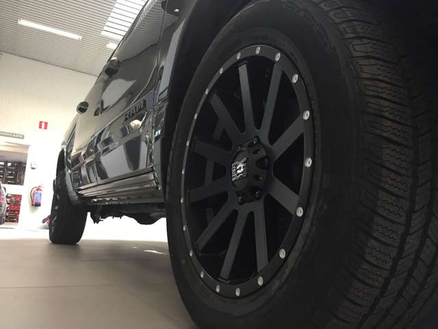 Dodge RAM BIG HORN - € 46.000 ex