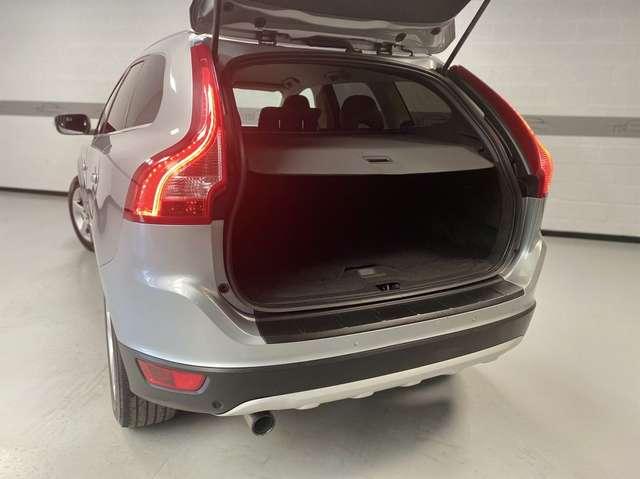 Volvo XC60 2.4 D5 AWD Summum*CUIR*KLIM*XENON*WWW.TDI.BE*