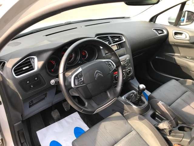 Citroen C4 1.6 HDi  TRES BELLE!!! GARANTIE 1AN!! CLIM AUTO!!!