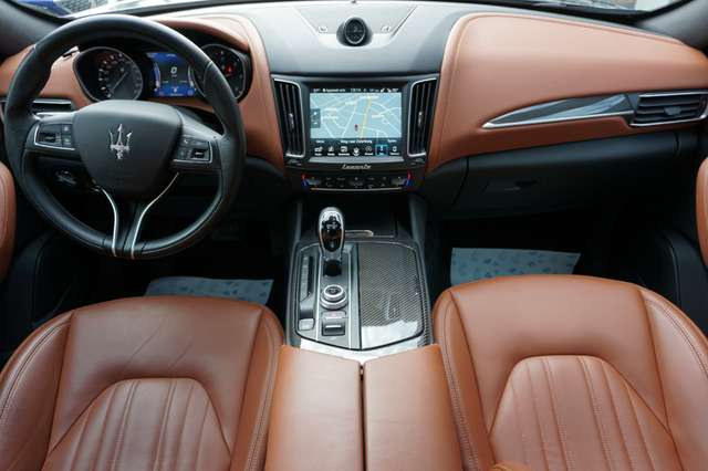 Maserati Levante 3.0 V6 Turbo Luchtvering/Navi/Leder/Xenon/Camera