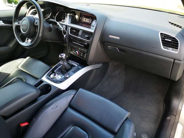 Audi A5 2.0 TDi Quattro S line DPF  Garantie 12 M.