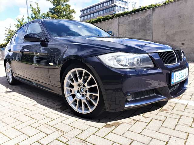 BMW 320 si  2600 exemplaire