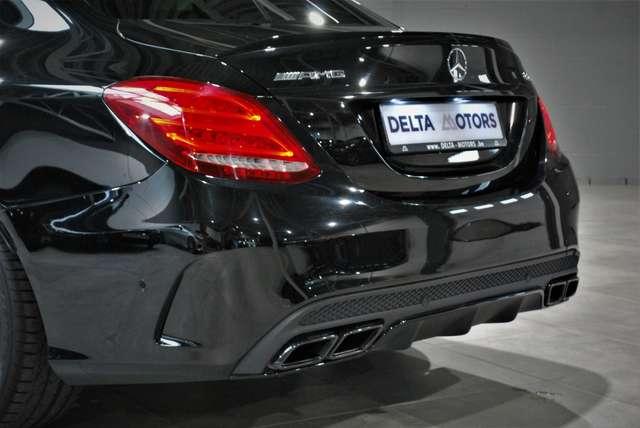 Mercedes C 63 AMG * PERFORMANCE EXHAUST * NIGHTPACK * FULL BLACK *