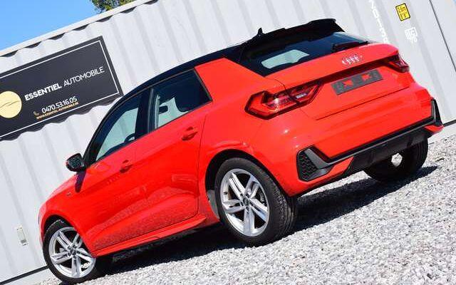 Audi A1 30 TFSI S line / LED / APPLE CARPLAY / APS AV-AR