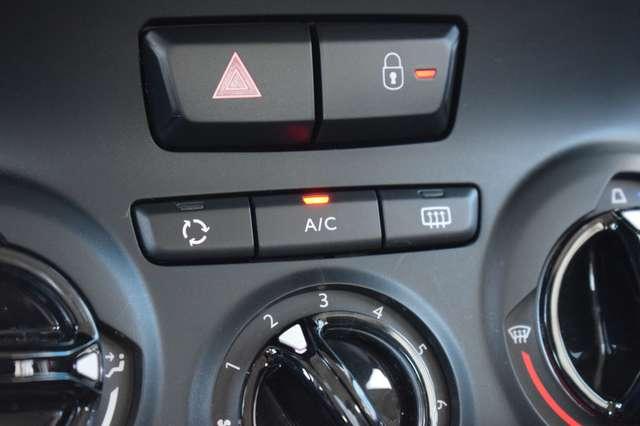 Peugeot 2008 1.2i PureTech Access / Climatisation / Garantie