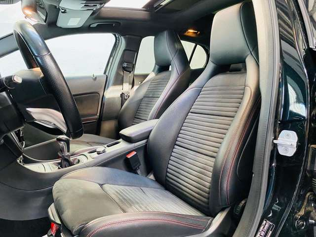 Mercedes GLA 180 d * garantie 12 mois * pack Amg * toit pano *