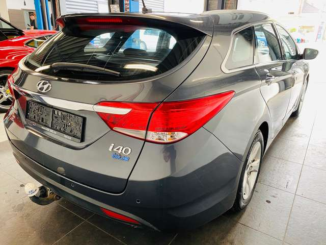Hyundai i40 1.7 CRDi * garantie 12 mois * carnet *