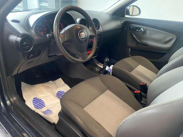 SEAT Ibiza 1.2i 12v * clim auto * carnet * propre *