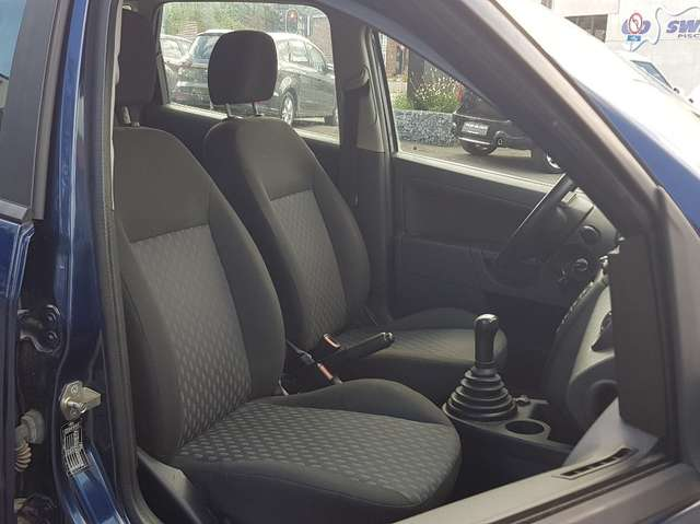 Ford Fiesta 1.3i Trend / ESSENCE / AIRCO / 5 PORTES