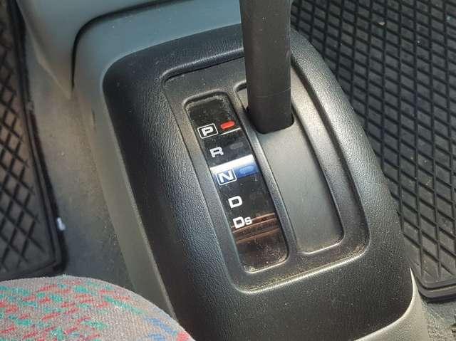 Nissan Micra 1.3i 16v SE A/C N-CVT / AUTOMATIQUE / AIRCO / 5 Pl