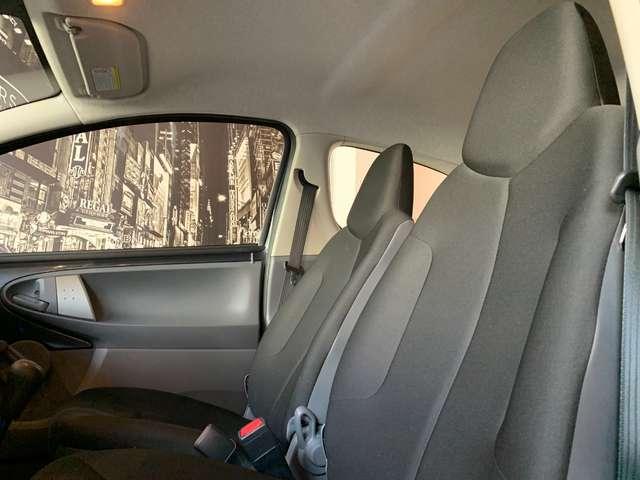 Toyota Aygo 1.0i * CARNET FULL * GARANTIE 12 MOIS * ESSENCE *