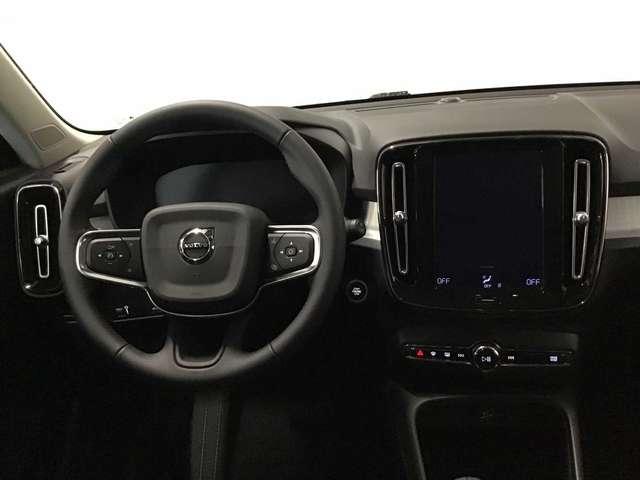 Volvo XC40 Momentum Pro D3 GT