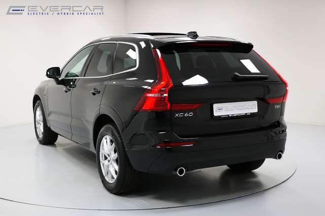 Volvo XC60 Momentum T8 Plug-In Hybrid ***BOWERS&WILKINS***