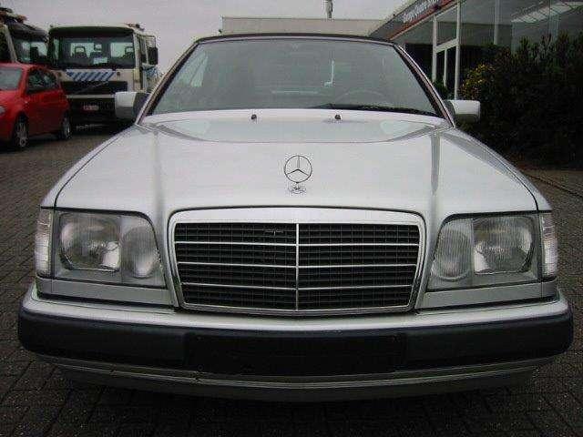 Mercedes E 300 CE 24v Cabriolet AUT.