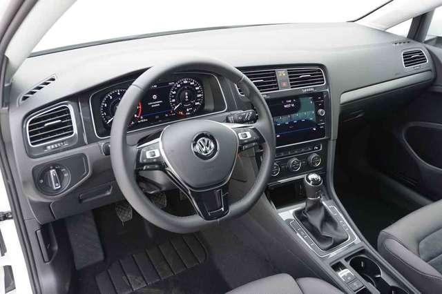 Volkswagen Golf 1.5 TSi 150 R-Line + GPS + Virtual + LED Lights + 10/15