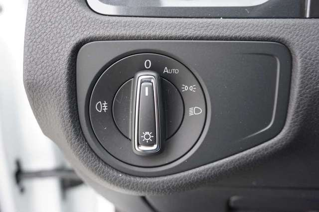 Volkswagen Golf 1.5 TSi 150 R-Line + GPS + Virtual + LED Lights + 11/15