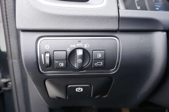Volvo S60 2.0 D2 120 Summum + GPS + Leder/Cuir + Xenon 10/15