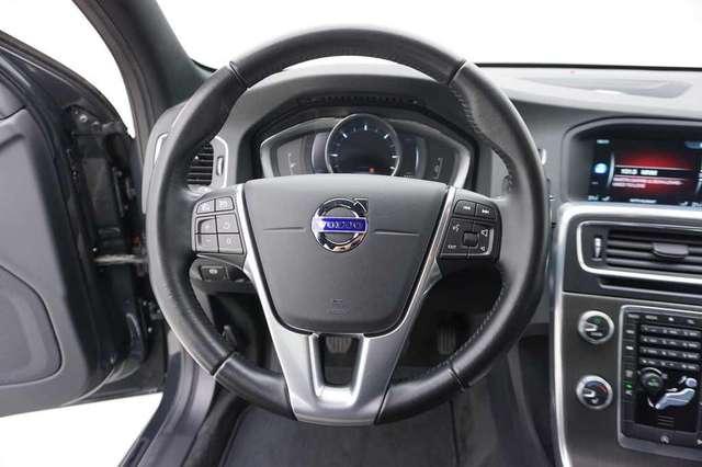 Volvo S60 2.0 D2 120 Summum + GPS + Leder/Cuir + Xenon 11/15