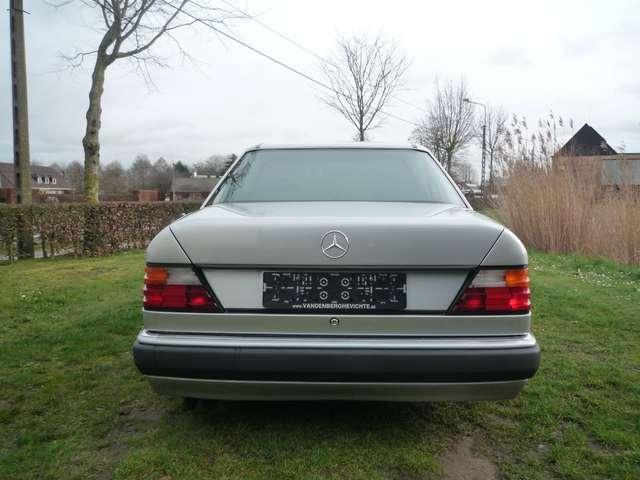Mercedes 500 E - ZWART LEDER - AIRCO - SCHUIFDAK - OLDTIMER 3/12