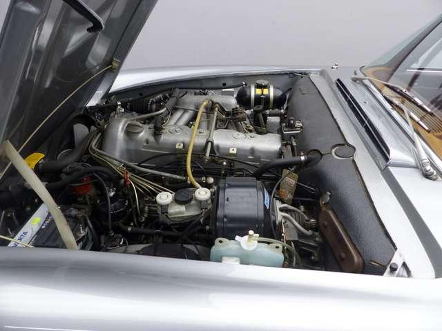 Mercedes SL R113 * Pagode * Matching N° * Becker 15/15
