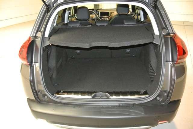 Peugeot 2008 1.2i PureTech Allure 4/15