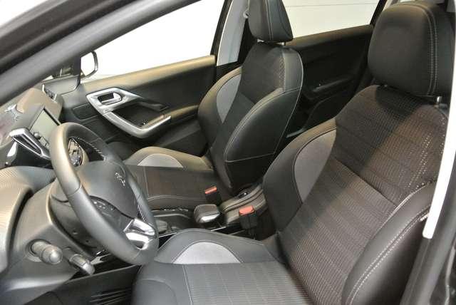 Peugeot 2008 1.2i PureTech Allure 5/15