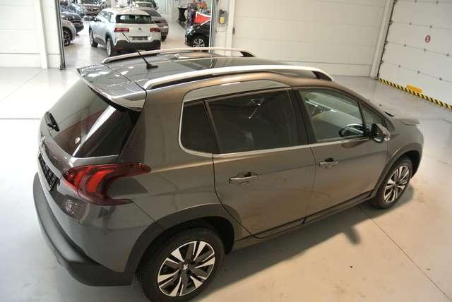 Peugeot 2008 1.2i PureTech Allure 7/15