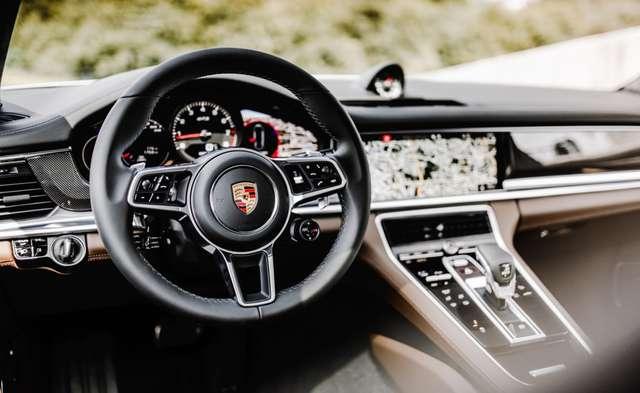 Porsche Panamera 4.0 V8 GTS SPORT TURISMO 13/15