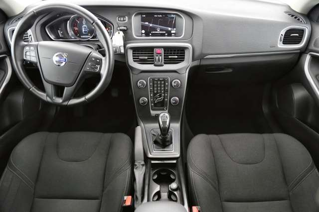 Volvo V40 Cross Country Base 2.0D2 + GPS + AIRCO + CRUISE + PDC + ALU 16 + 4/15
