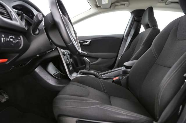 Volvo V40 Cross Country Base 2.0D2 + GPS + AIRCO + CRUISE + PDC + ALU 16 + 5/15
