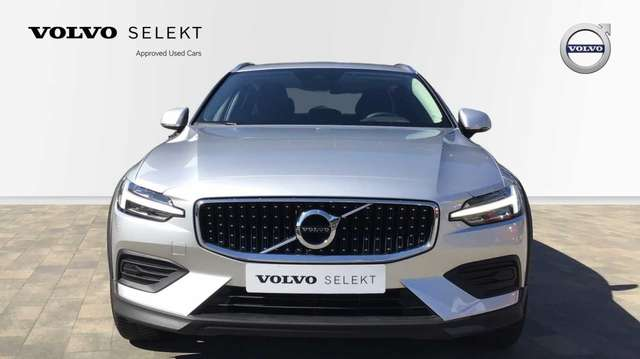 Volvo V60 CC V60 Cross Country Pro D3 AWD Geartronic diesel 3/15