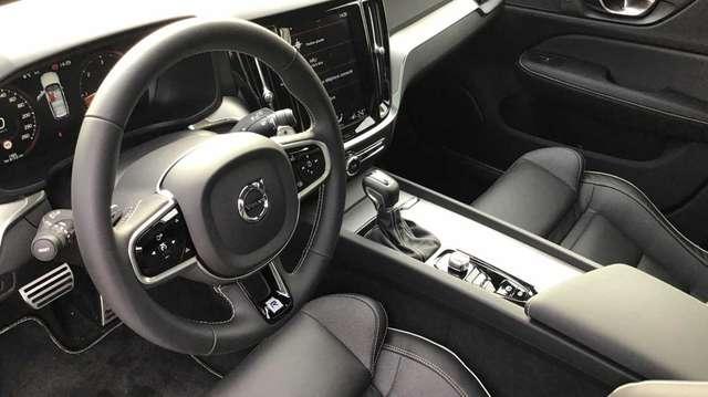 Volvo V60 II R-Design D3 Geartronic 5/15